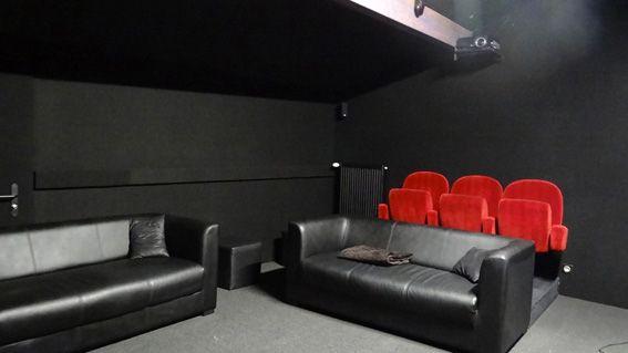 Maison charentaise restaurée - Salle de projection