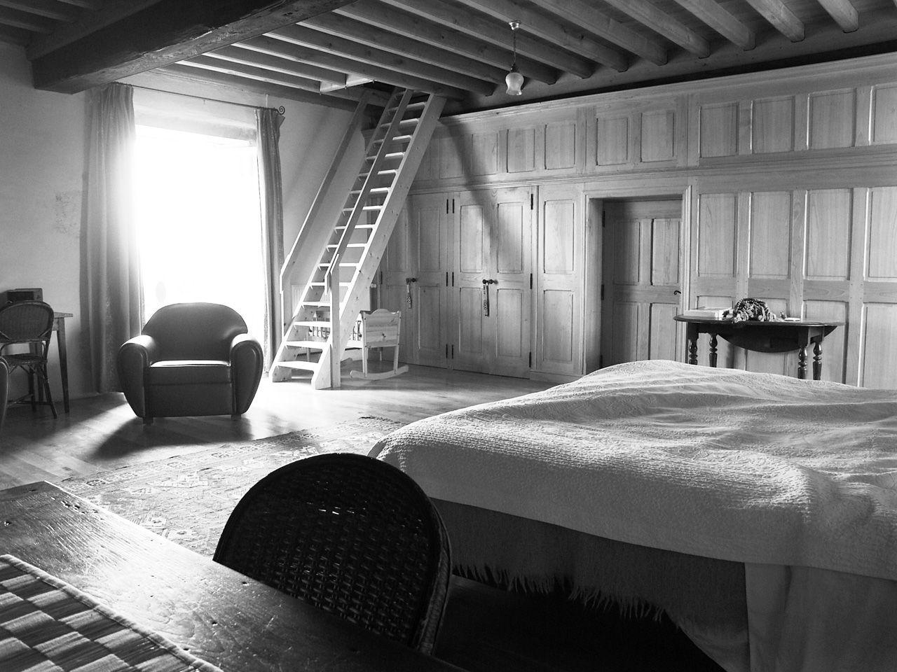 Propriété rurale maison de maître XVè XVIè siècle - Chambre jaune