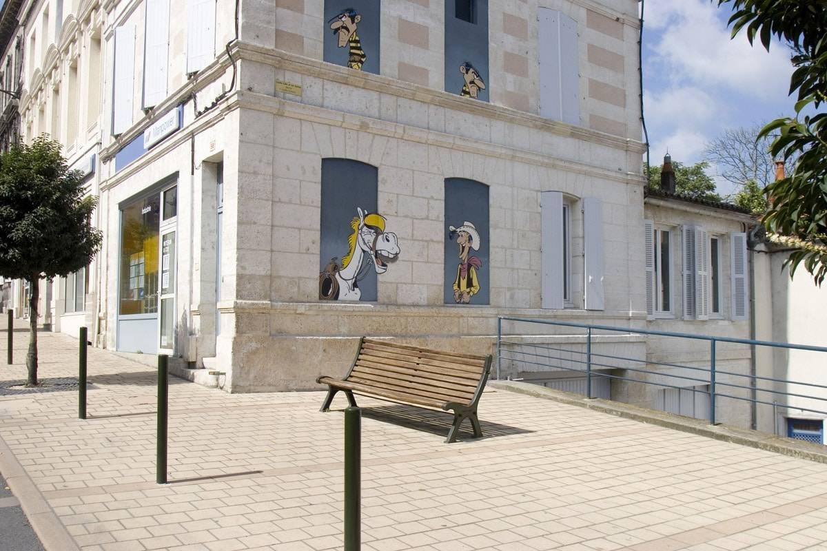 Mur Peint - Luky Luke, les Daltons et Jolly Jumper - © LAVAL Sébastien - Charente-Tourisme