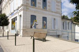 Mur peint - Luky Luke, les Daltons et Jolly Jumper - Morris - Mur peint - Le baron noir - © LAVAL Sébastien - Charente Tourisme