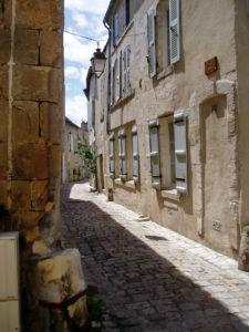 Cognac - rue vieille ville - © Charente-Tourisme